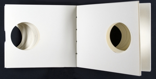 <strong>Keith Smith</strong>Book 102[pages 30-31],Rochester: VSW Press, 198480 lb cover, superfine linen cord13.00 x 15.00 x 2.00 cmNumber 50 in an edition of 100, signedVisual Studies Workshop Collection,Independent Press ArchiveZ232.5 S654